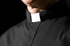pastor-collar